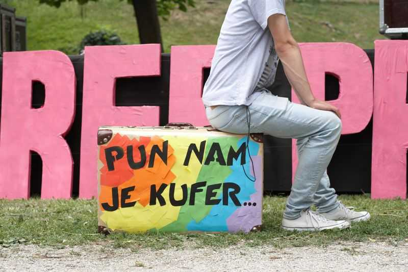 Porazni rezultati ankete Eurobarometra: većina Hrvata smatra da LGBTI osobe ne bi trebale imati ista prava kao i heteroseksualci